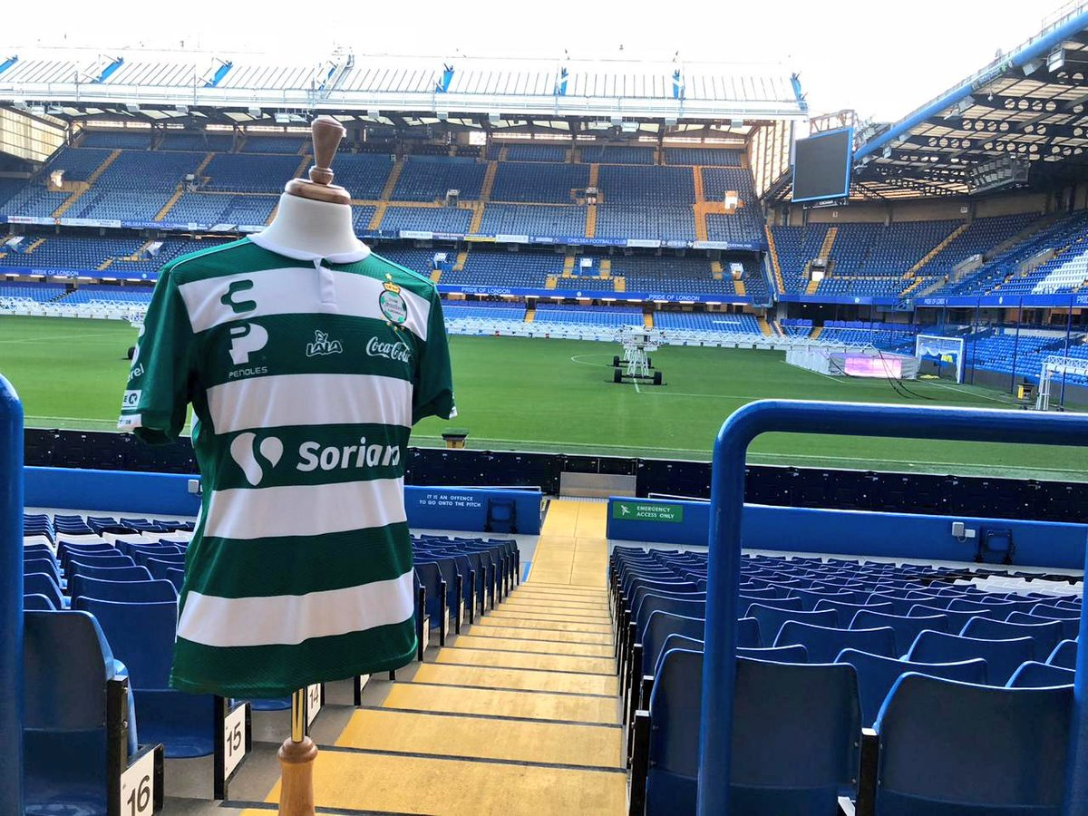 Top of the morning to you from @StamfordBridge   @ClubSantos and @CharlyFutbol on display at #LeadersWeek in London. <br>http://pic.twitter.com/ASkCOHOTuj