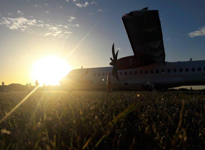 📸 Estas cosas pasan los días soleados en Aeroparque ☀️😍 #BuenMiercoles ✈ Photo