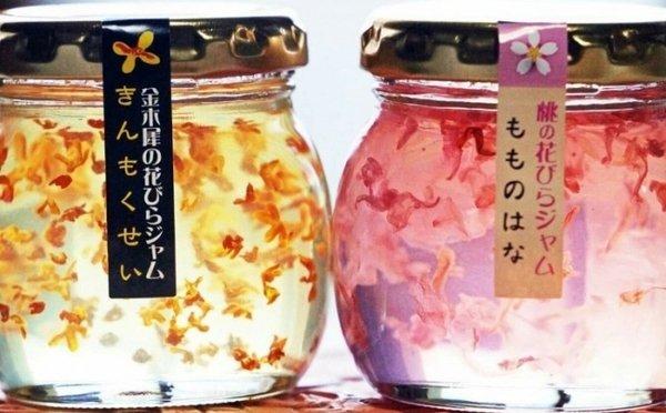 【綺麗】金木犀と桃の花が美しい…宝石みたいなジャムがヴィレヴァン通販に再登場   本物の花びらを使用しており人工の着色料は一切使用されていないという。ほのかな甘い香りが楽しめます。