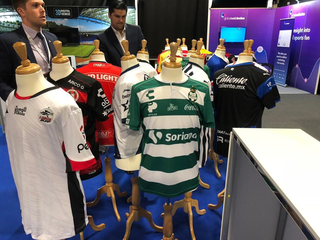 "Mexican football representing world wide    @Orlegi_Sports, @ClubSantos and @LIGABancomerMX present in London for #LeadersWeek, where @Irarragorri will speak tomorrow in a lecture entitled ""Team Ownership: growing your club at home and abroad.""<br>http://pic.twitter.com/xnRgETuBp8"