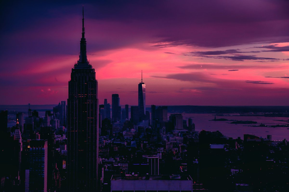 Raulhudson1986 On Twitter New Vaporwave City Art Photography Cyberpunk Neon Night Bladerunner Vaporwave Newyork Retrowave Skyline
