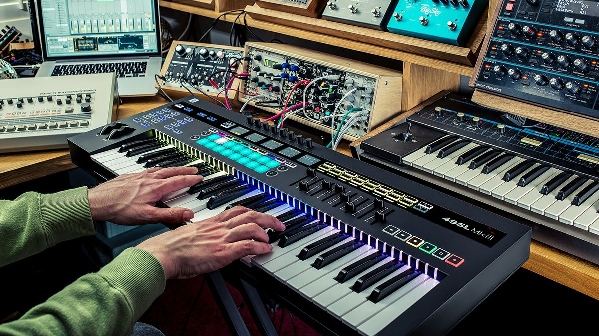 .@WeAreNovation announces the SL MkIII MIDI controller and it's effectively got 8 Circuit sequencers inside https://buff.ly/2ILrmWB
