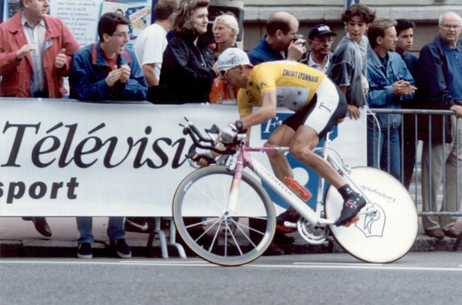 &quot; Champions never lie down, they always rise to fight another day&quot; Twoc #champion#JanUllrich#DerKaizer <br>http://pic.twitter.com/63GzSUykfL