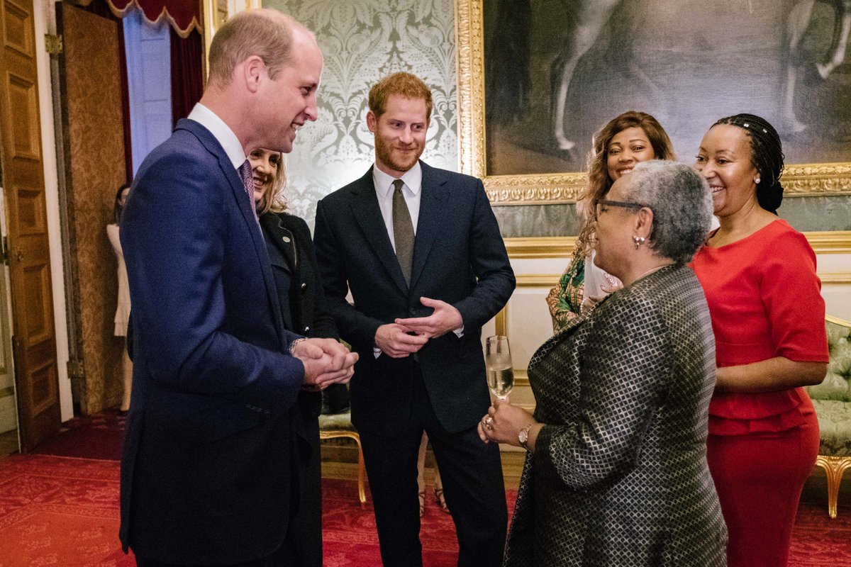 This evening The Duke of Cambridge and The Duke of Sussex joined a reception at St James&#39; Palace to officially open the 2018 Illegal Wildlife Trade Conference #EndWildlifeCrime <br>http://pic.twitter.com/bmAUS34ZZy