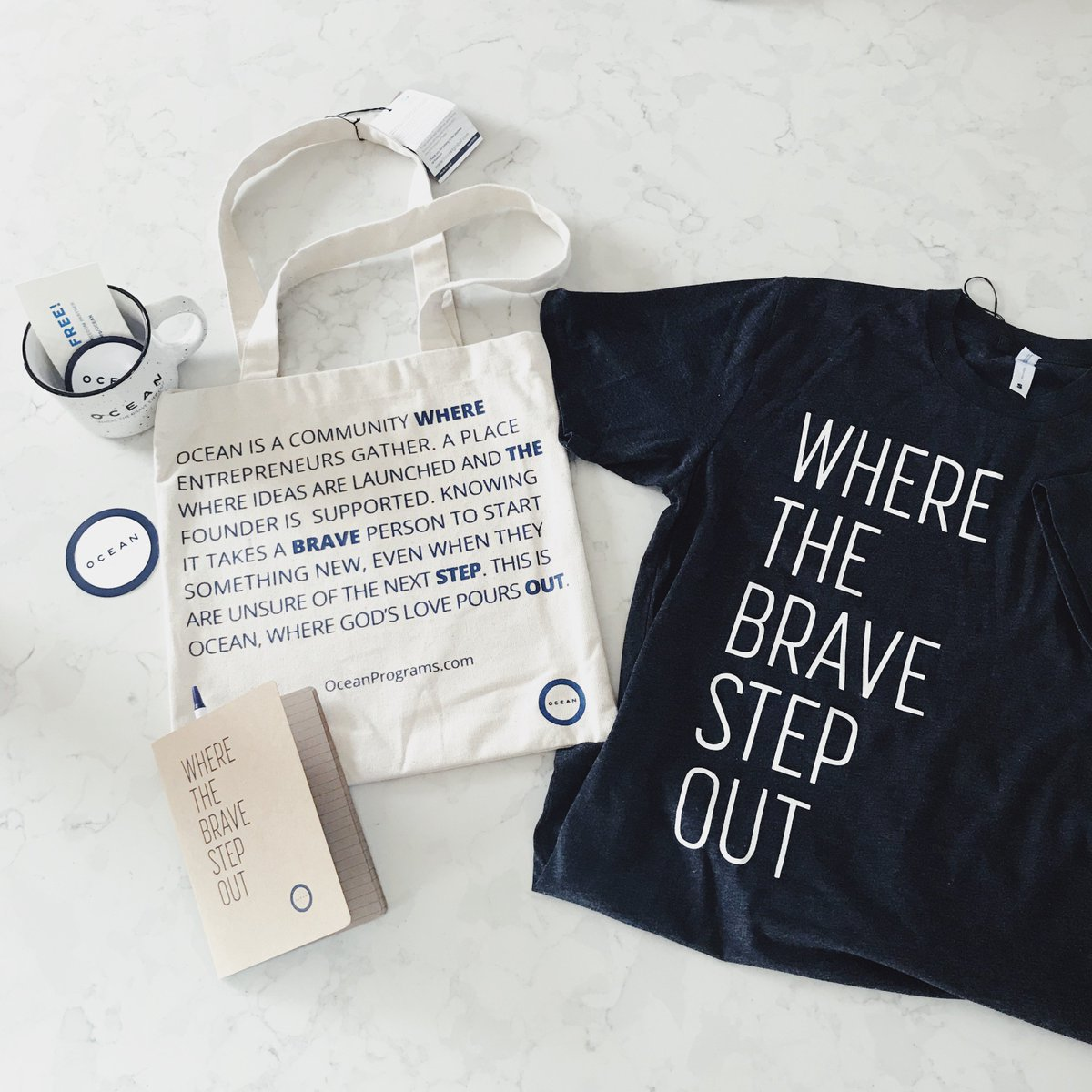 860552a5 Be sure to check out our merch table to grab your own Brave shirt and  #MakeDifference with @freesetUSA. #fairtrade#freesetusa pic.twitter.com/zXr6kV5NTJ