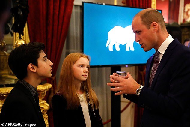 Tonight I had the privilege to meet HRH Prince Harry and HRH Prince William at the Illegal Wildlife Trade Conference. Their passion and dedication to #EndWildlifeCrime will be a vital component in combatting the Illegal Wildlife Trade that's decimating species across the globe. <br>http://pic.twitter.com/ZrLIdhRHdf