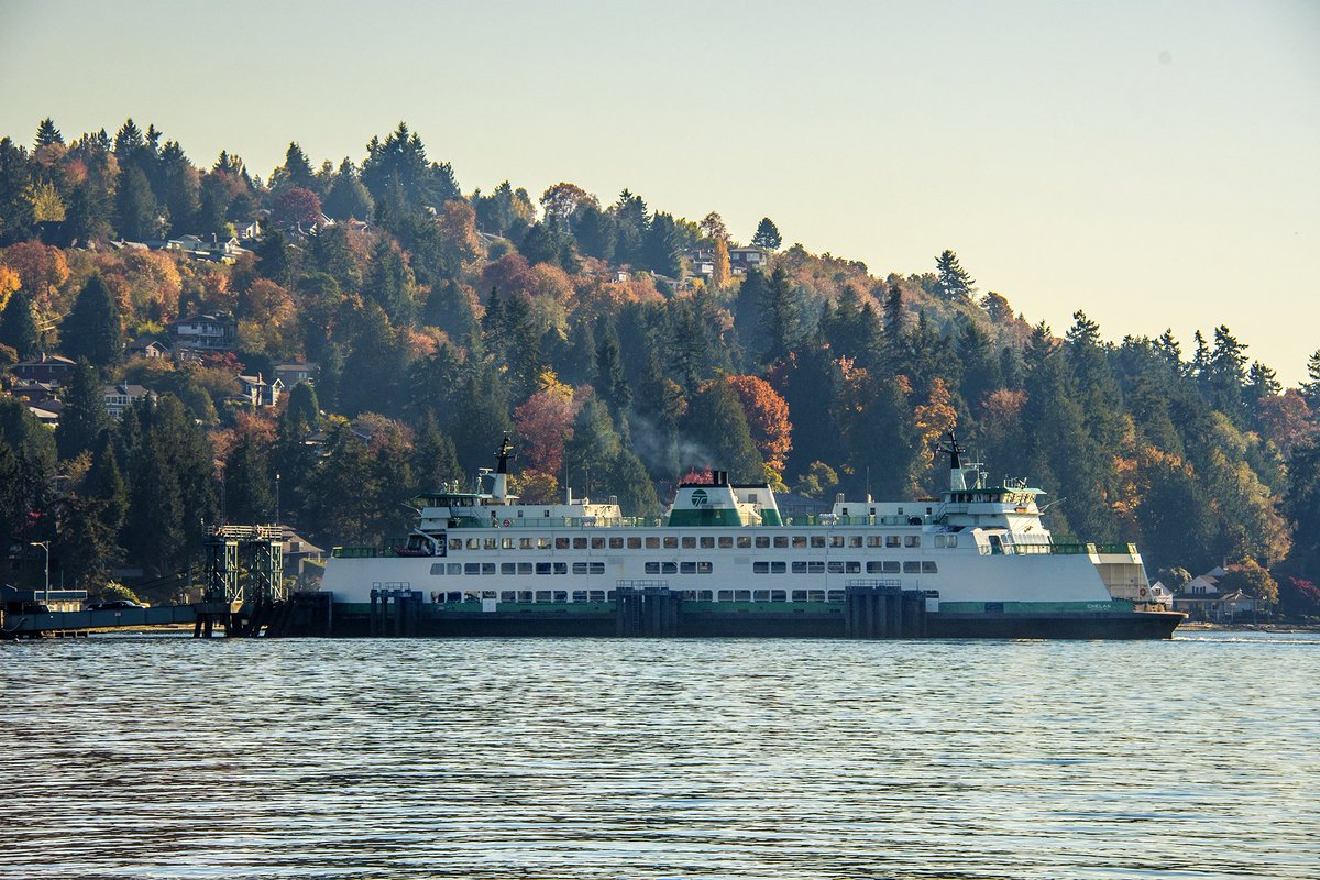 Enjoy the views of Lincoln Park and the Puget Sound by taking a quick trip by to Vashon Island by ferry. The weather is going to be perfect for it! Browse our Guide To Fall powered by @cartersubaru for more great fall activities: https://t.co/aOM0yZa6nx https://t.co/rBi2Lsj7cU