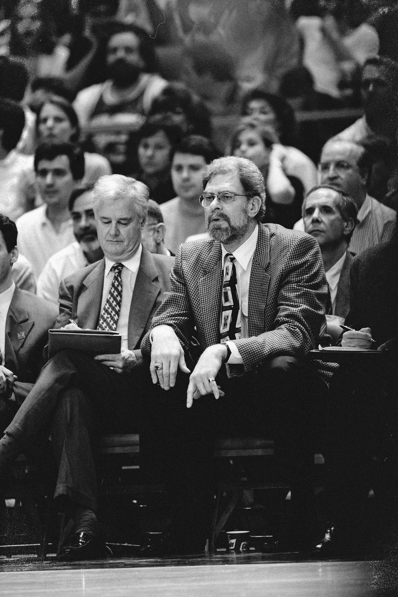 The #Bulls are deeply saddened to announce the passing of Tex Winter.  Read more on the statement from Executive Vice President of Basketball Operations, John Paxson:  http:// on.nba.com/2C9jlcX  &nbsp;  <br>http://pic.twitter.com/tT4W6NjyVd