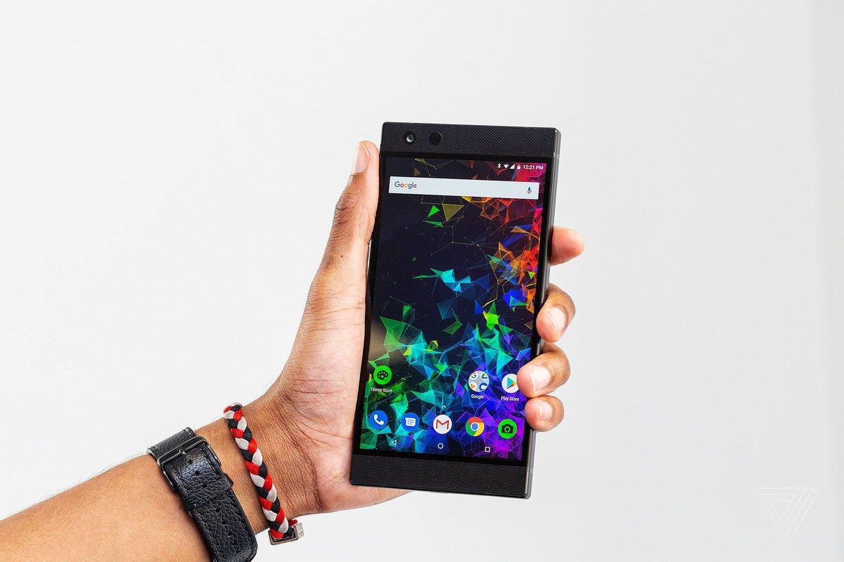 The Razer Phone 2 is poised to be the gaming phone to beat  https://www. theverge.com/2018/10/10/179 52806/razer-phone-2-gaming-chroma-lighting-wireless-charging-lte-price?utm_campaign=theverge&amp;utm_content=chorus&amp;utm_medium=social&amp;utm_source=twitter &nbsp; … <br>http://pic.twitter.com/w1mEyUwc8N