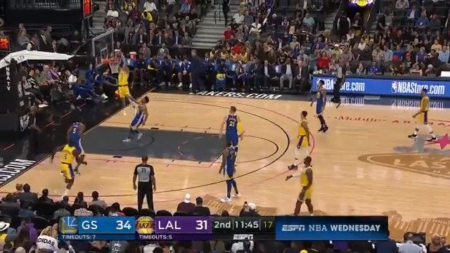 LeBron tosses it up, Lonzo throws it down! ��  #NBAPreseason on @ESPNNBA https://t.co/W0SAo5m0UQ