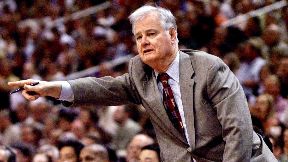 Tex Winter was my biggest critic. He was also my biggest fan. A few words about the legendary coach who lived his 96 years as well as anyone could have... <br>http://pic.twitter.com/vOrS7UNkMS