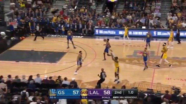 LEBRON JAMES... GOT IT! ����  #NBAPreseason https://t.co/QM4B9iiGYC