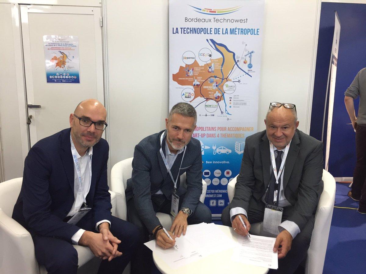 🔝🖋🤝 Signature officielle du partenariat entre @FrenchTechBx et @Bdx_Technowest en direct du salon @uav_show : un nouveau plus pour la Technopole dans l'#accompagnement de projets !