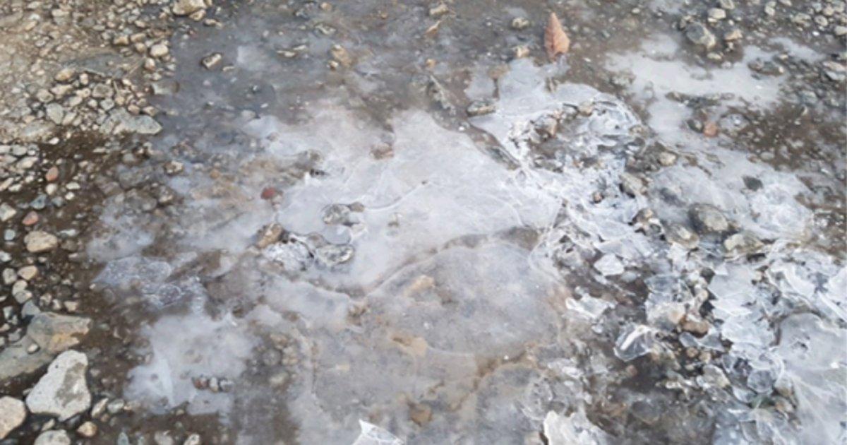 설악산에서 꽁꽁 언 첫얼음이 관측됐고, 내일은 전국이 더 춥다 https://t.co/HIZHF7xC75