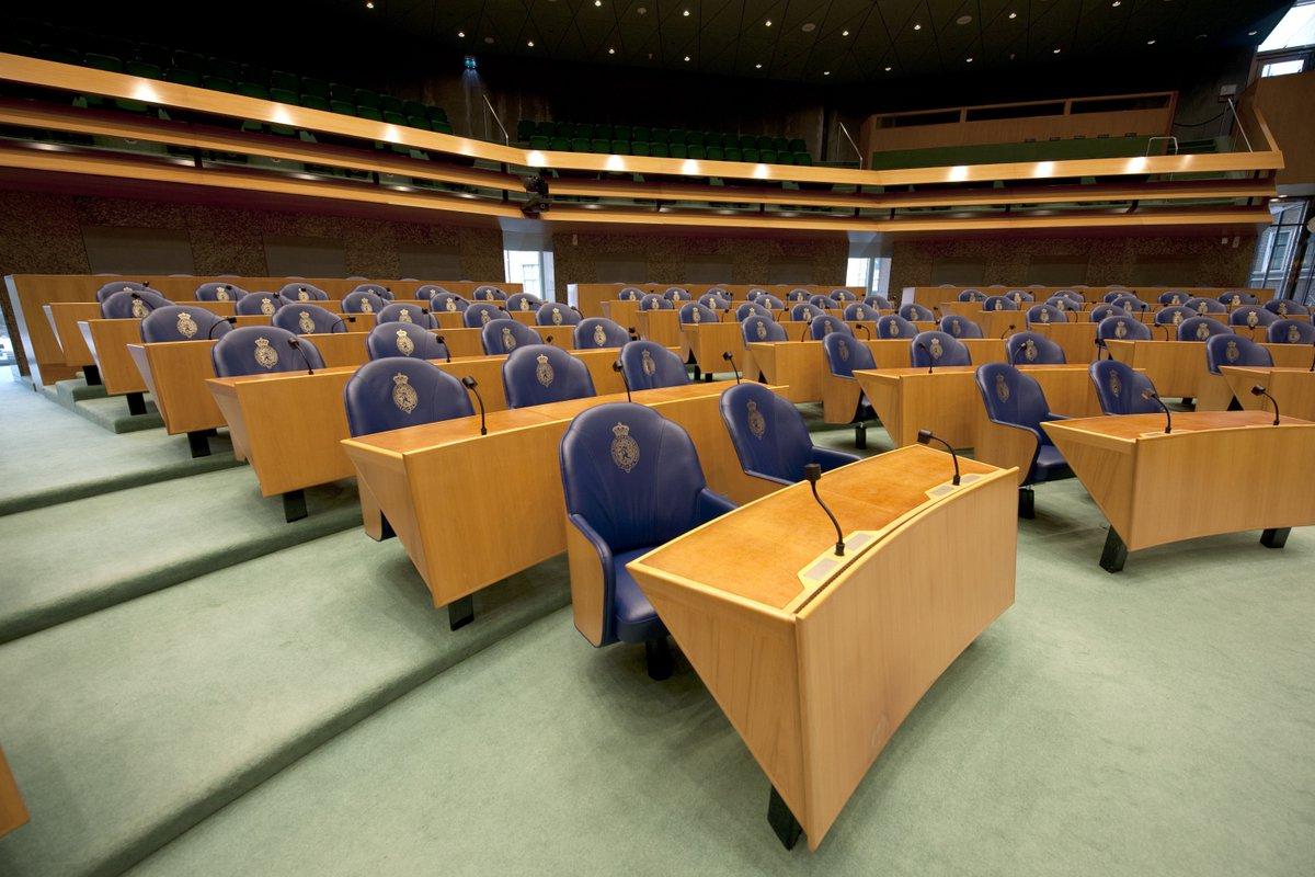 Vanaf volgend schooljaar kunnen iedere dag 1000 middelbare scholieren naar de Tweede Kamer → https://www.rijksoverheid.nl/actueel/nieuws/2018/10/11/iedere-dag-1000-scholieren-naar-de-tweede-kamer…
