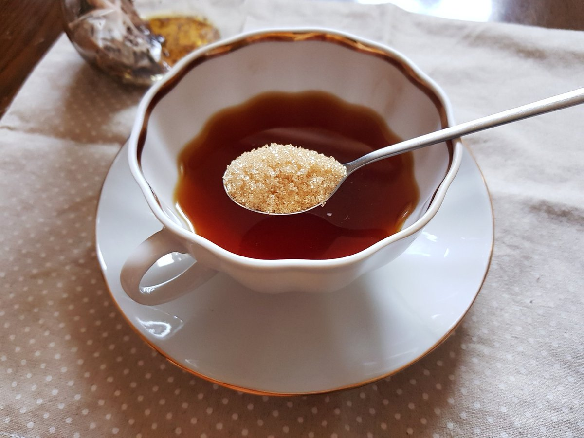 밀크티를 마셔요. 씁쓸한세상살이 한줄기 달콤함 다질리언 엔젤코코아+믈레즈나 누와라엘리야