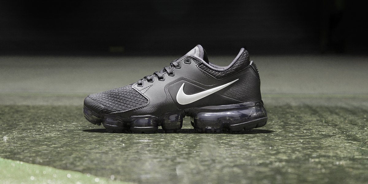 b11b55da914c8 now s your chance to cop  em again🙏 👀 the junior s air vapormax are back  in your fave colourway ⚫ quick