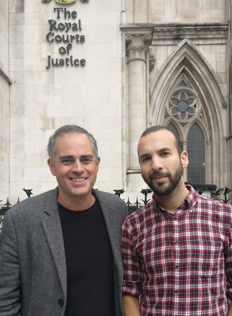 Outside The Royal Courts of Justice with Green Party co-leader @jon_bartley supporting the movement for anti fracking. Absolutely vital we all stand together- and I&#39;m proud that our party is out there fighting for a green, sustainable future.<br>http://pic.twitter.com/3UiJkywUOl