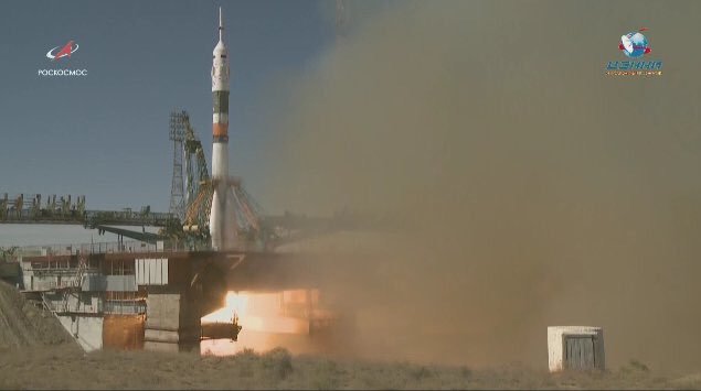 Soyuz cosmonauts safely in Earth after a rocket failure. The contingence plan worked perfectly returning the capsule from a heigh of 50km !!  http://www. russianspaceweb.com/soyuz-ms-10.ht ml &nbsp; … <br>http://pic.twitter.com/w6Y44PloJD