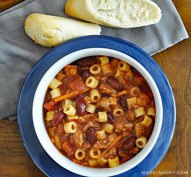 Yummy hearty soup for chilly days!  Pasta e Fagioli Italian Soup Recipe  https://t.co/9qPhaAEpgJ https://t.co/NBdSUuGFWy
