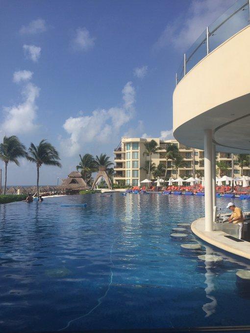 #MáquinadelTiempoLlévame de nuevo a visitar Cancún y New York !! 💕😂☺️👍 Photo