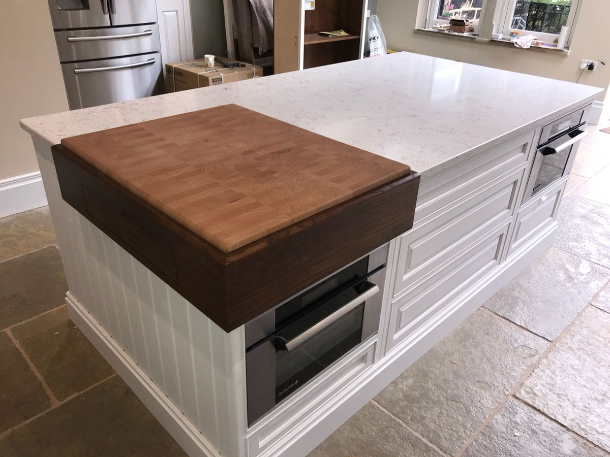 Mixing It Up Q Stone Ocean White Quartz Island Top And Nero Absoluto Leather Textured Granite On The Worktop Twitter Q9gld3xsmd
