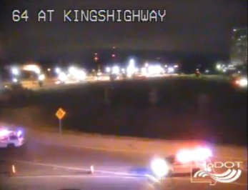 Kingshighway @ 40 an accident #ontimestl<br>http://pic.twitter.com/rENTEBJ6ek