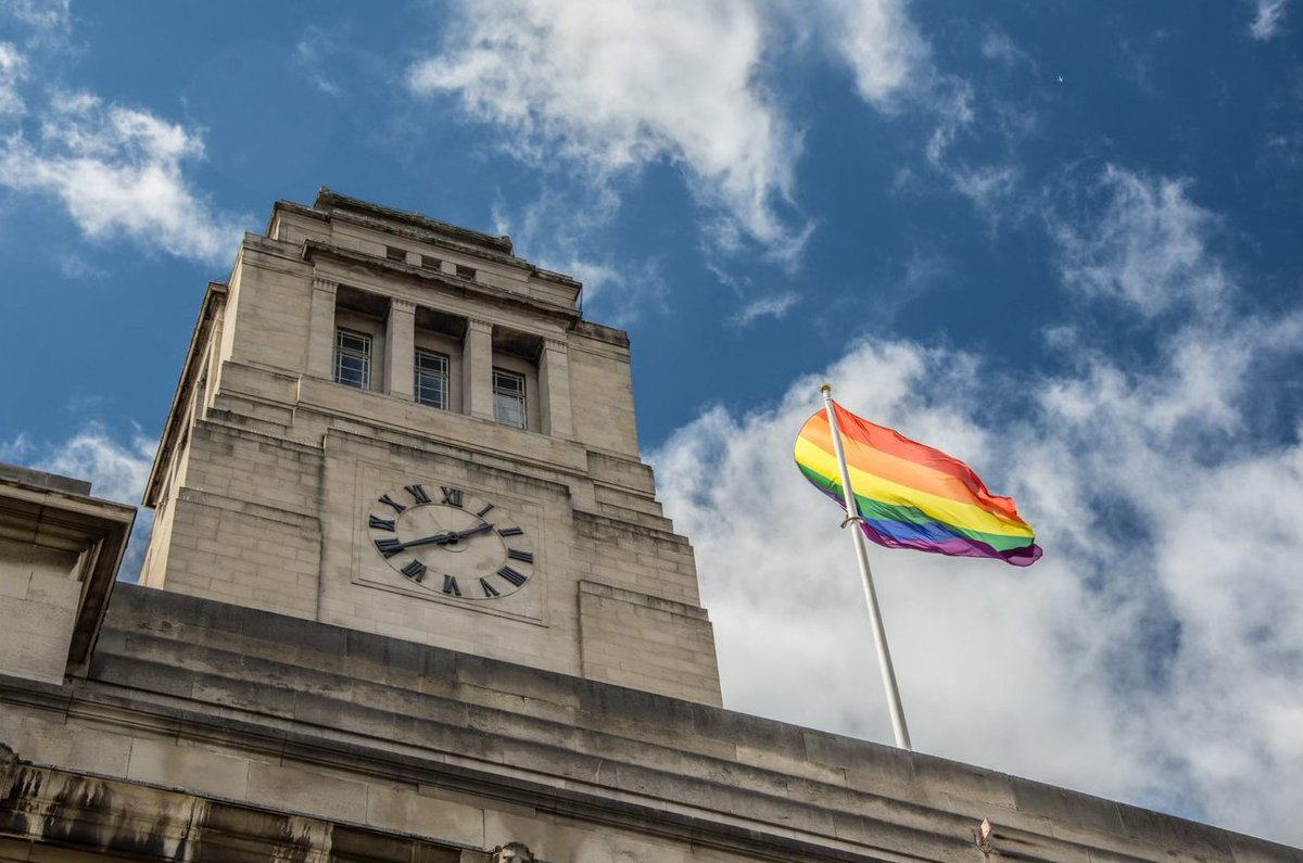 We're proud to be an inclusive and diverse campus, where everyone can be themselves. Meet some of our LGBT role models and allies: equality.leeds.ac.uk/initiatives/lb… #NationalComingOutDay