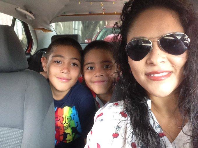 @YODEBUENAS @La99fm #MáquinaDelTiempoLlévame Cuando nacieron mis dos bendiciones! Photo