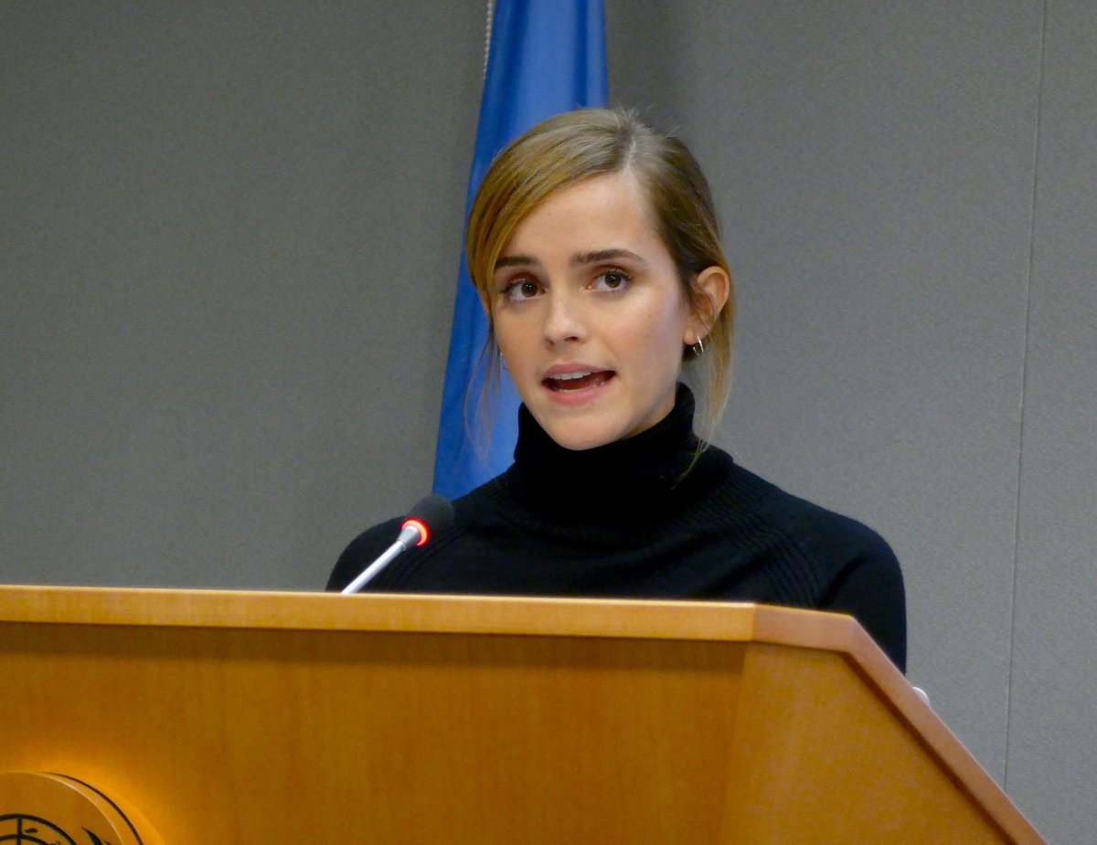 エマ・ワトソン『女の子がやってはいけない一番悲しいことは、男性の為に頭の悪いふりをすることです。』  今日10/11は #国際ガールズデー  #InternationalGirlsDay