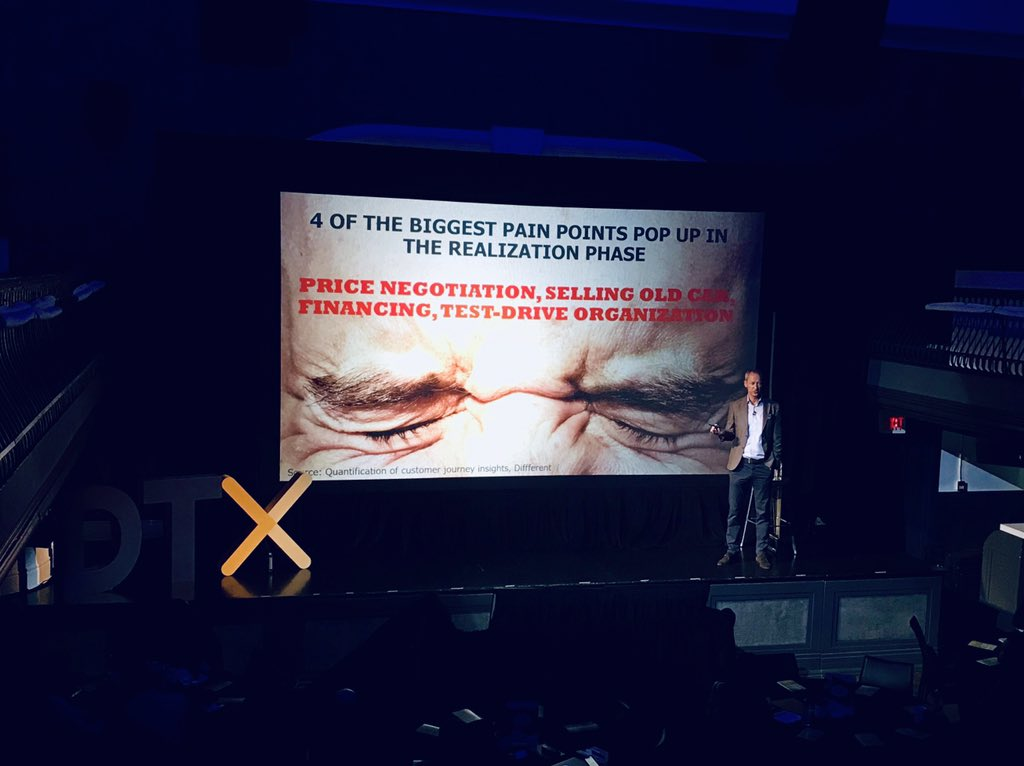 Malte Krüger explains the four biggest pain points during the car buying and selling journey #DTX2018 https://t.co/jd9Yxty9cv