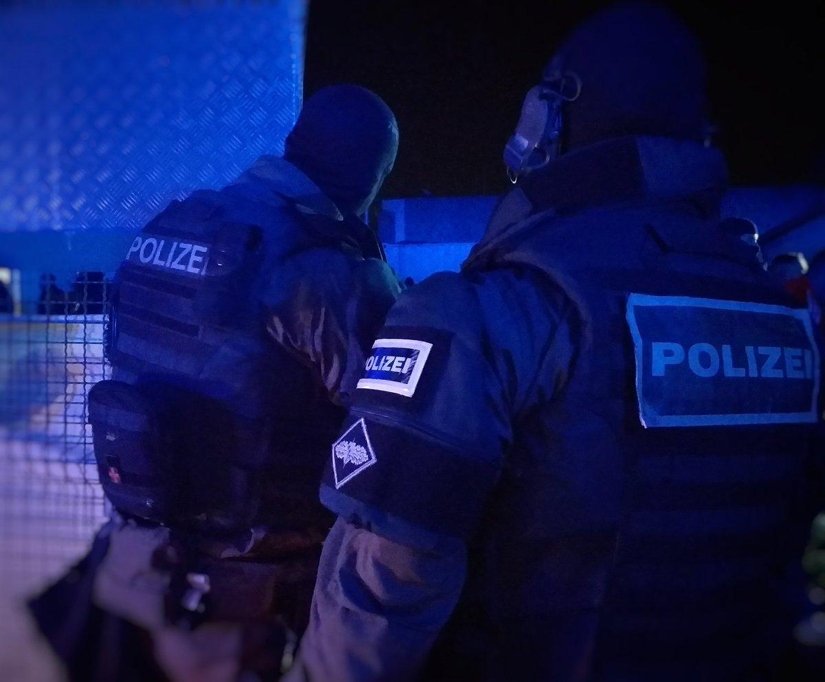 Polizei Berlin On Twitter Aktuell Vollstreckt Unser Sek In