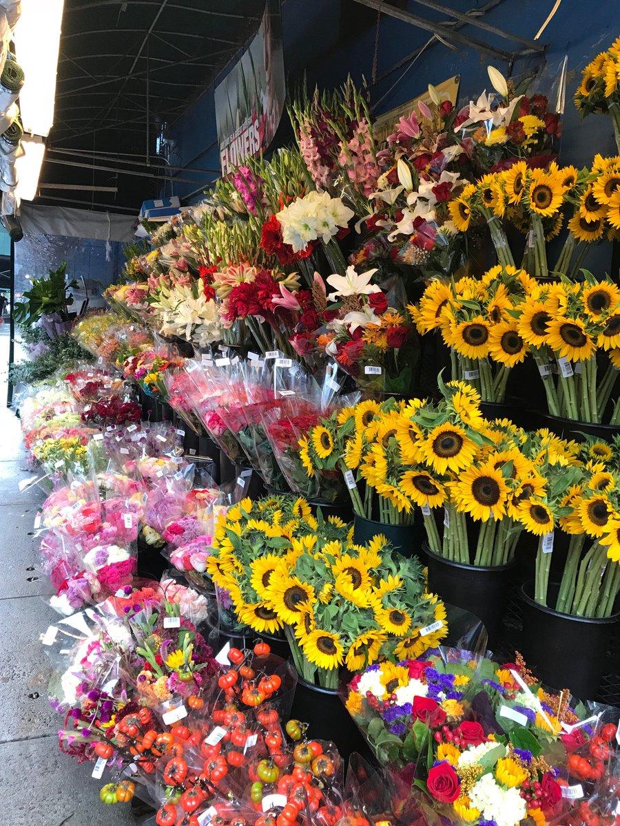 #nyc flower marketpic.twitter.com/QJcKgEfSal