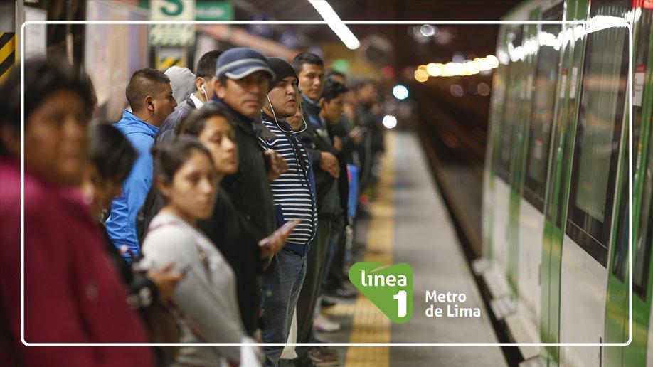 ¡Recuerda esperar detrás de la línea amarilla! 📢 Ayúdanos a mantener el orden en las estaciones y sé un ejemplo para los demás. 💪  #ContigoSomosMejores https://t.co/B5v8vLLpaF