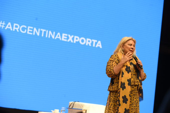 En la presentación del plan federal promovido por @elisacarrio. #ArgentinaExporta Photo