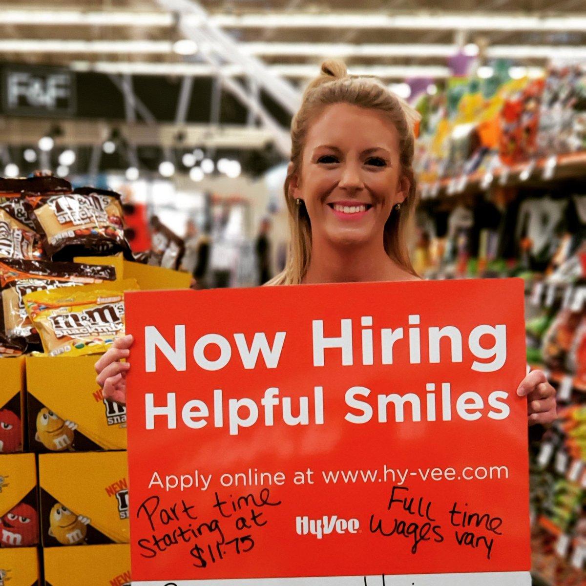 hyvee hiring age