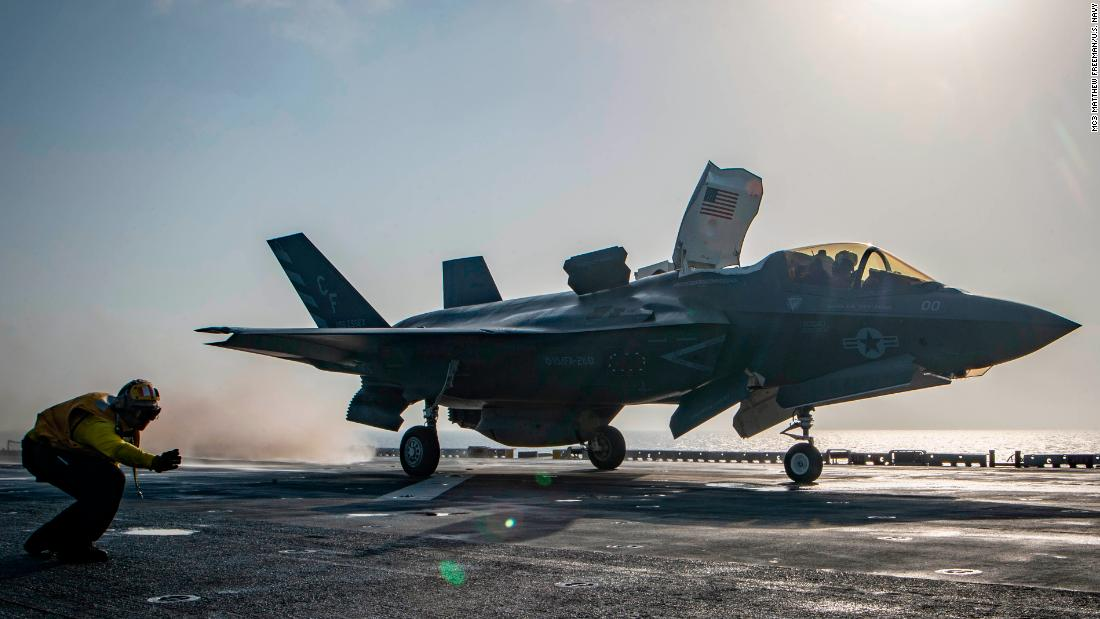 The US military grounds all F-35 fighter jets to check for a potentially faulty engine part in the wake of a September crash  https:// cnn.it/2pMoSyr  &nbsp;  <br>http://pic.twitter.com/xTSIZPkCdq