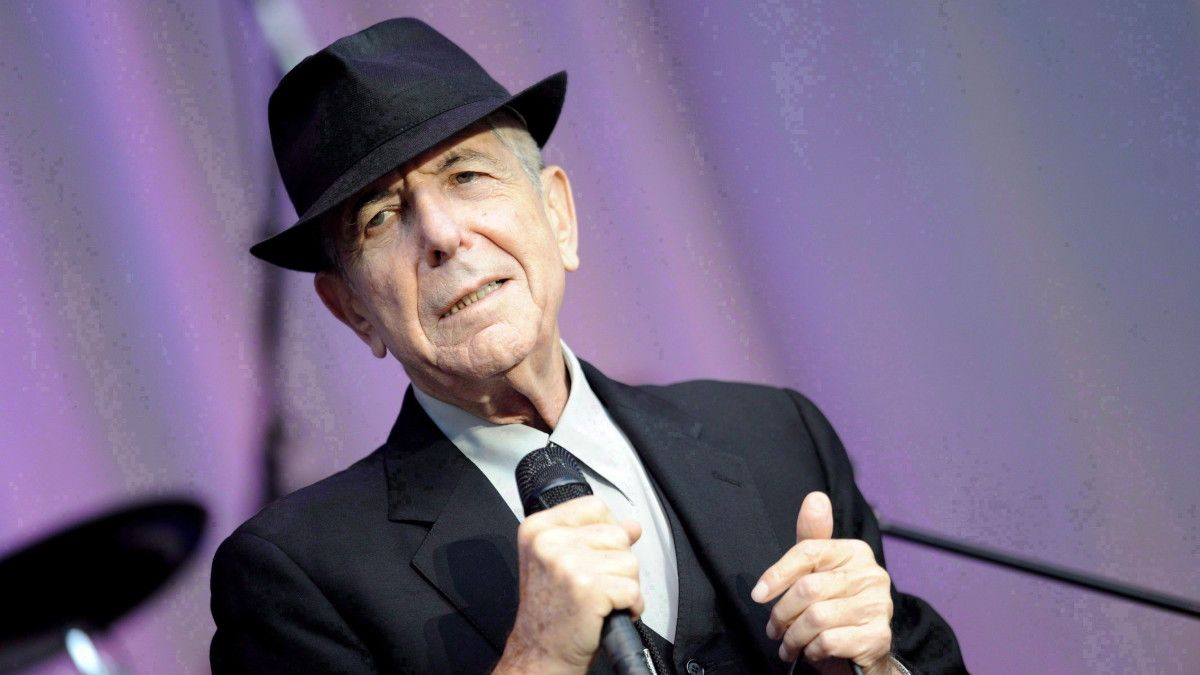 Leonard Cohen wrote a poem about Kanye West: &quot;I am the Kanye West Kanye West thinks he is.&quot;  http:// bit.ly/2C9He3P  &nbsp;  <br>http://pic.twitter.com/IOMEvFoZNV