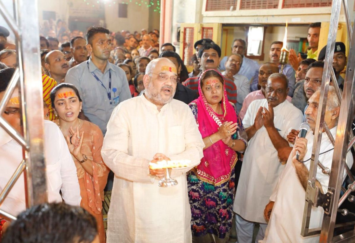 Amit Shah performs aarti at Kuldevi Bahuchar mandir in his native town Mansa in Gujarat