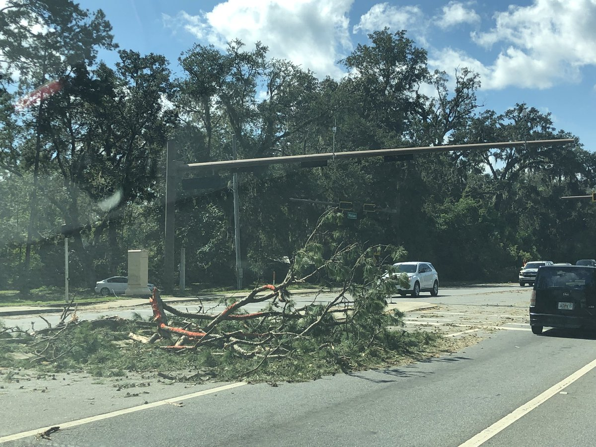 Heather Crawford S Tweet Driving On Highway 90 Through Tee The Stoplights Are Out And We Seeing Several Downed Trees
