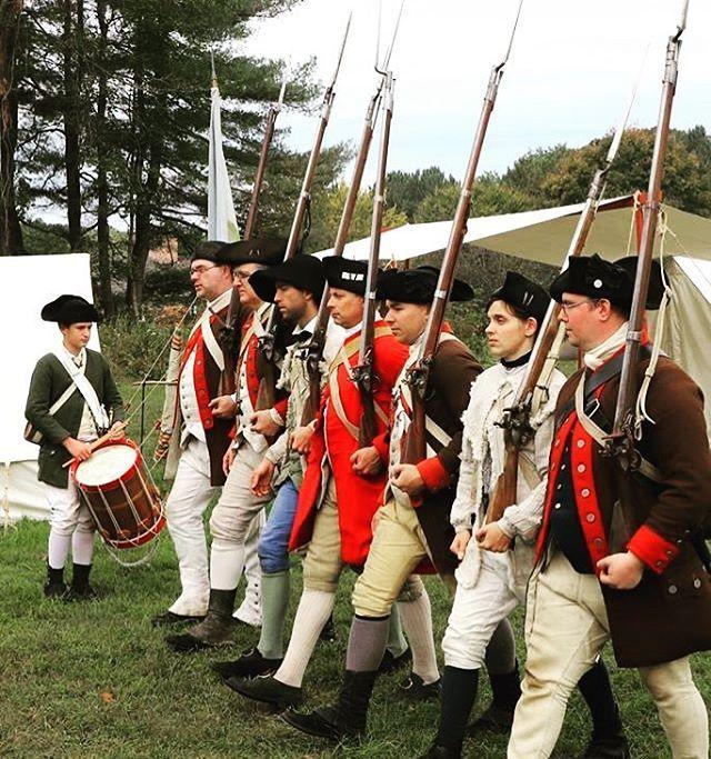 Stay in step! #2ndmassachusetts #reenactment #revolutionarywar #massachusetts #patriots https://t.co/P7fZOMIbDB