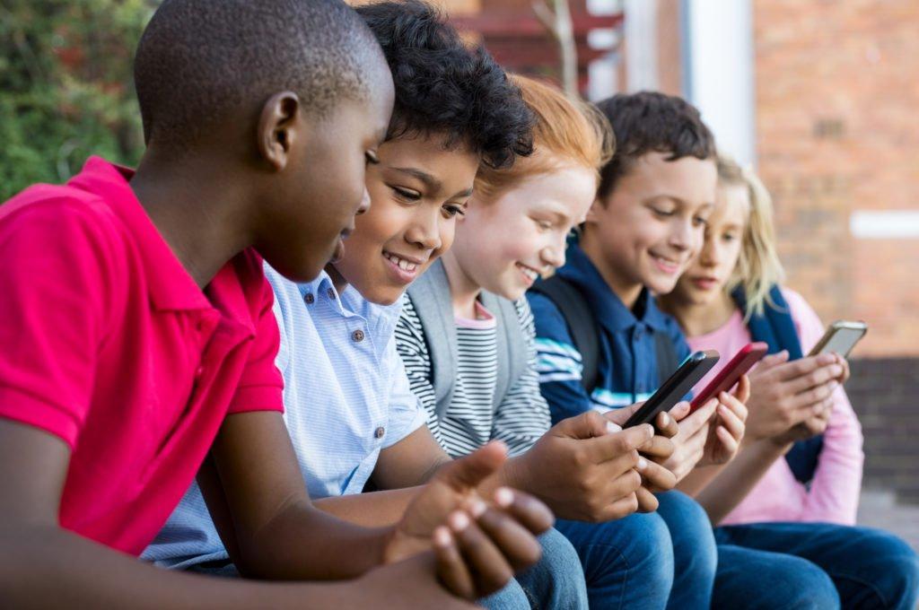 スマホがきっかけでケンカに 親子の確執、夫婦の溝 - https://t.co/XzmRlSc6Aq #LINE #Ovo #SNS #ケンカ #スマートフォン #子ども #親