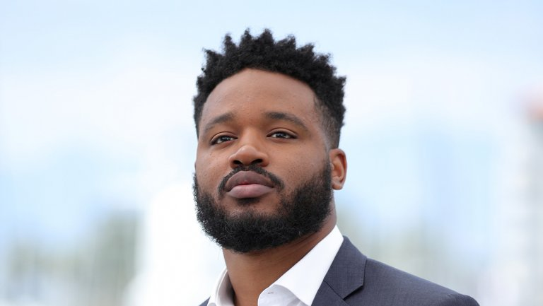 Exclusive: Ryan Coogler signs on to write and direct #BlackPanther sequel https://t.co/8c77Euhjoj https://t.co/E7b6h6gGaA