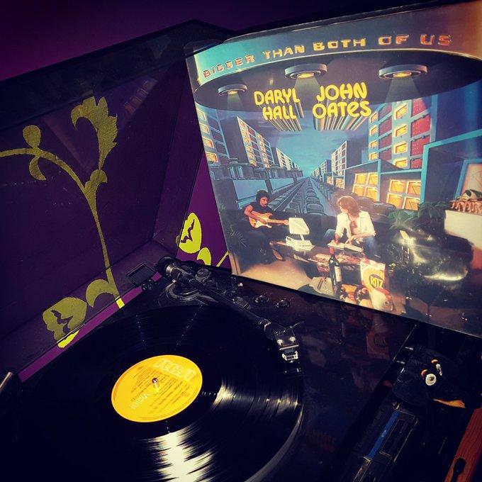Happy Birthday *72* ! Daryl Hall & John Oates - Bigger than both of us (RCA/1976)
