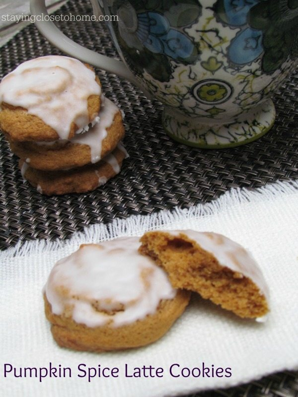 Fall is all about these Easy to make Pumpkin Spice Latte Cookie Recipe https://t.co/uSbHBEcOz6 https://t.co/zel3W3oHEl