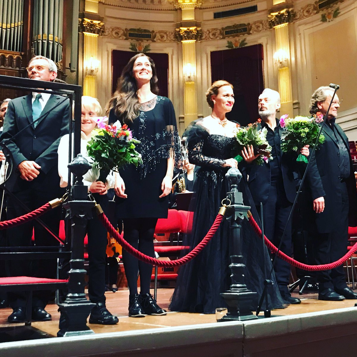 Ik ben er stil van! Twee koren, kinderkoor, drie solisten en een fabuleus spelend @RCOamsterdam #WarRequiem #BenjaminBritten
