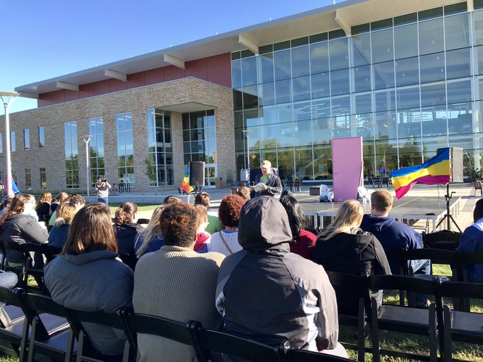 The @UISGSS Office is celebrating #NationalComingOutDay2018 with their annual Closet Door on the Quad event outside the @UISUnion. Come show your support! https://t.co/f0zn5gktFn