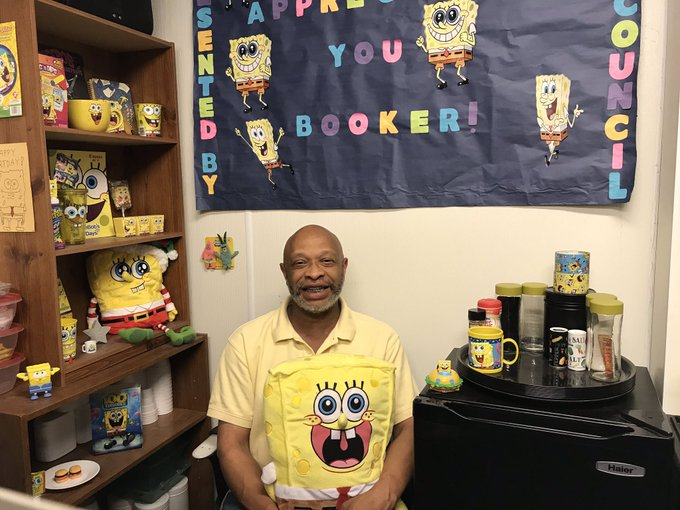 RT @UISResLife: Meet our LRH Building Services, Booker Crombie! Booker's all time favorite is, SpongeBob Squarepants. Can you guess how man…