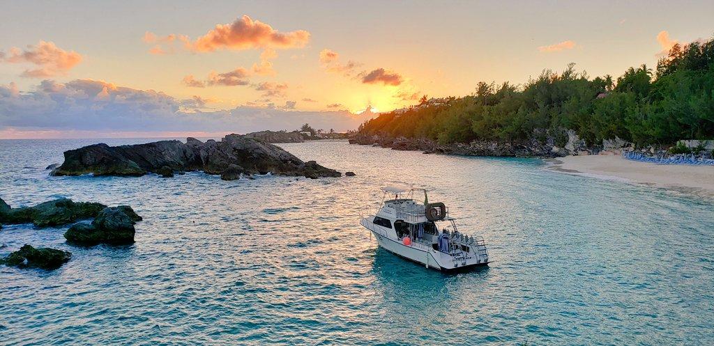 Sunsets in @Bermuda are gorgeous! #travel #FTASummit2018 https://t.co/Rce5noZtrU