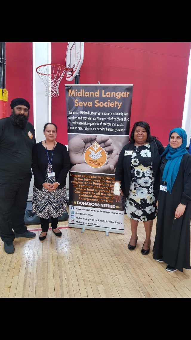 One of the schools that #MLSS supports with bread and milk to ensure children have breakfast is Westminster Primary school, Stamford Road, Birmingham. @pbahyia attended the school this morning and spoke to the children about what #Sikhi is and why we do #Langar #seva.